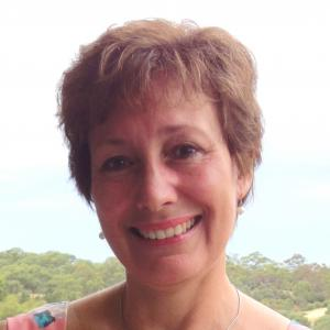 Dr Eveline Bartowsky